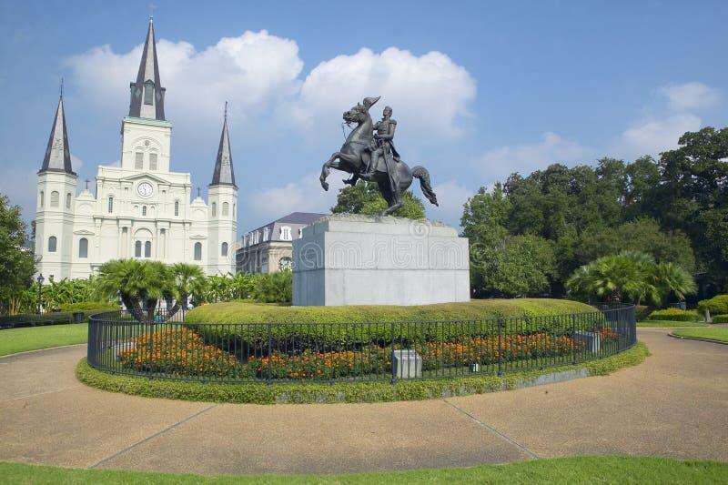 Andrew Jackson Statue y St Louis Cathedral, Jackson Square en New Orleans, Luisiana fotografía de archivo