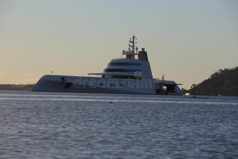 "Andreys Melnichenkos yacht ""A"", royaltyfri bild"