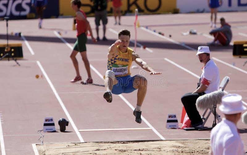Andriy AVRAMENKO d'Ukraine sur l'événement de long saut aux championnats du monde U20 d'IAAF à Tampere, Finlande le 10 juillet 20 photo stock