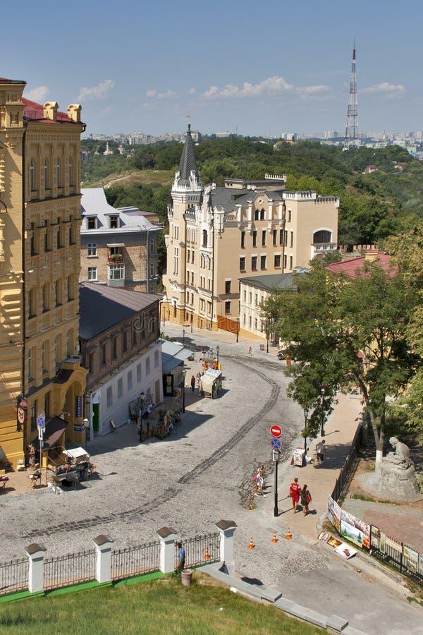 Andriyivskyy nedstigningsgata i Kiev arkivfoton