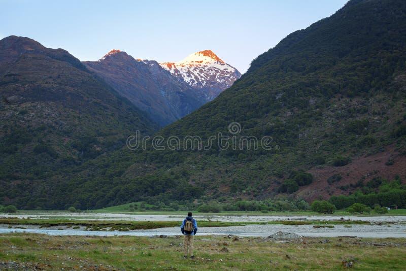 Andventure en Nueva Zelanda imagenes de archivo