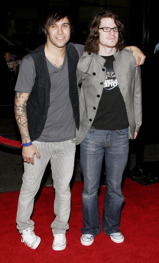 Andy Hurley och Pete Wentz royaltyfria foton