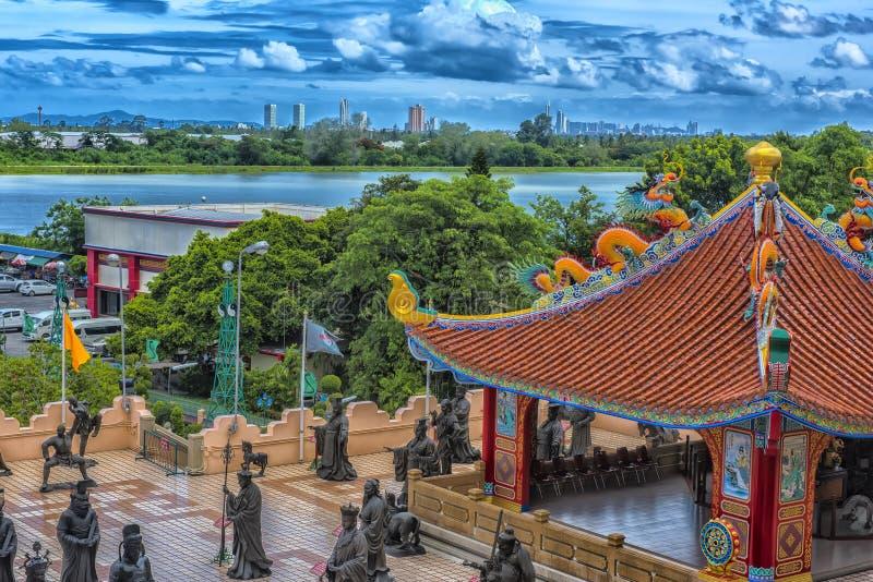 Anek Kuson Sala Pattaya Viharnen Sien är en härlig kines t arkivfoto