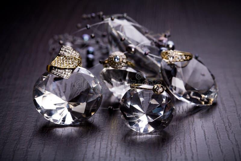 Anel com diamantes foto de stock