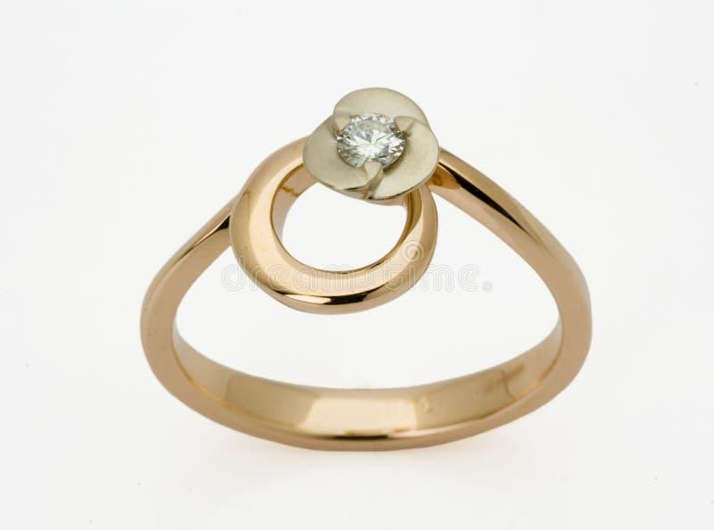 Anel com os diamantes imagem de stock royalty free