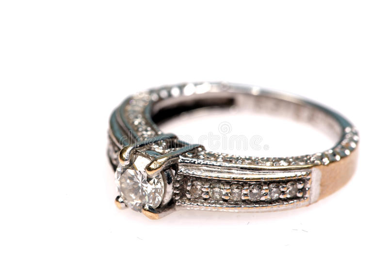 Anel de casamento do Solitaire fotos de stock
