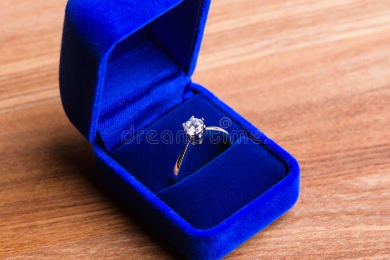 Anel de diamante bonito foto de stock royalty free