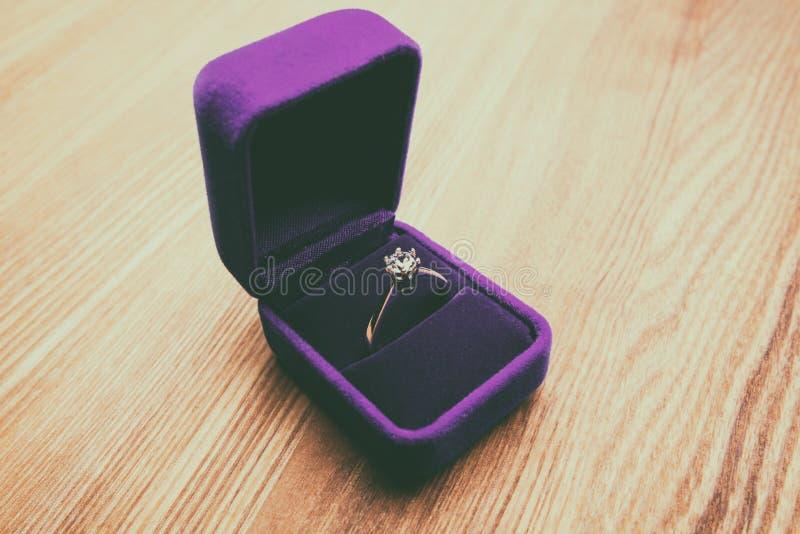 Anel de diamante bonito fotos de stock