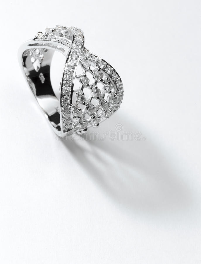 Anel de diamante de prata imagens de stock royalty free