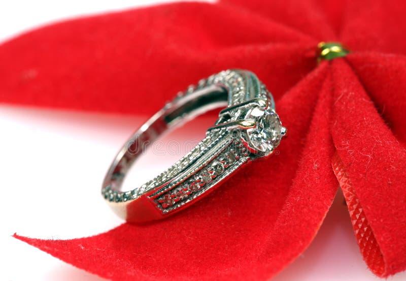 Anel de diamante do casamento imagem de stock royalty free