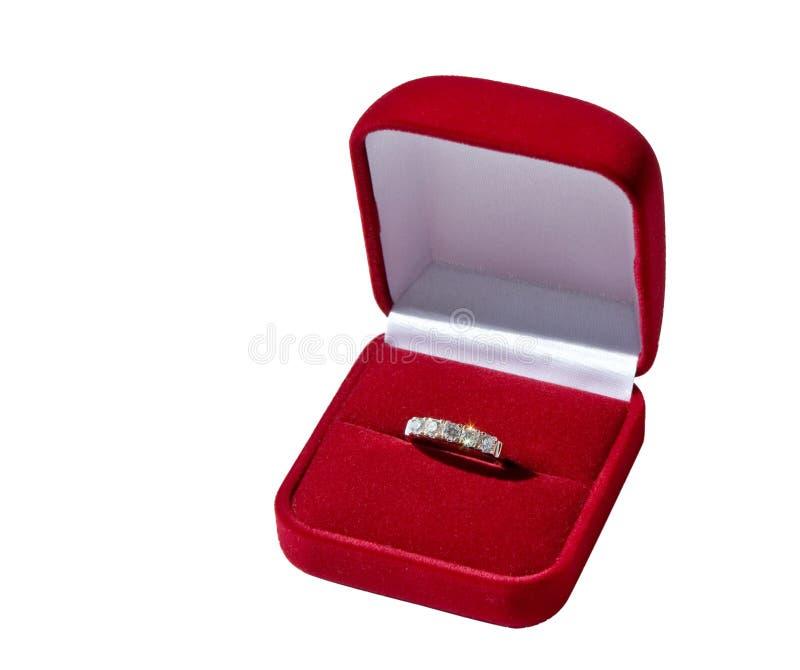 Download Anel de ouro na caixa imagem de stock. Imagem de sheen - 16853357