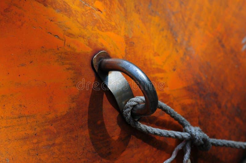 Anel do barco e detalhe da corda imagens de stock