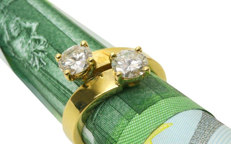 Anel dourado com diamantes fotos de stock royalty free
