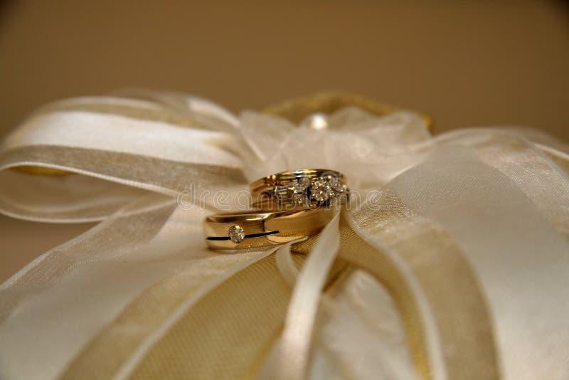 Anelli di cerimonia nuziale immagini stock
