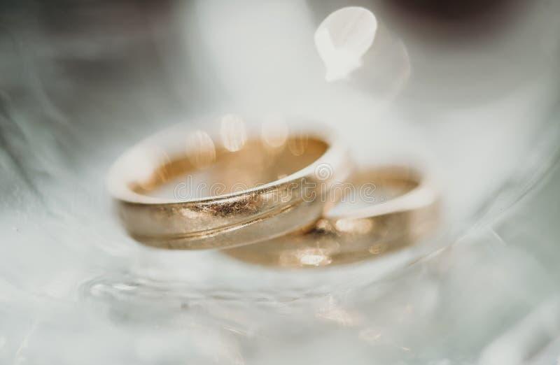 Anelli magici, amore vero fotografie stock libere da diritti