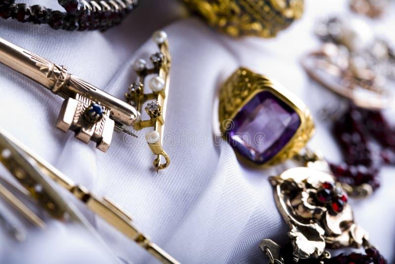 Download Anello immagine stock. Immagine di valore, anello, gemme - 7317643
