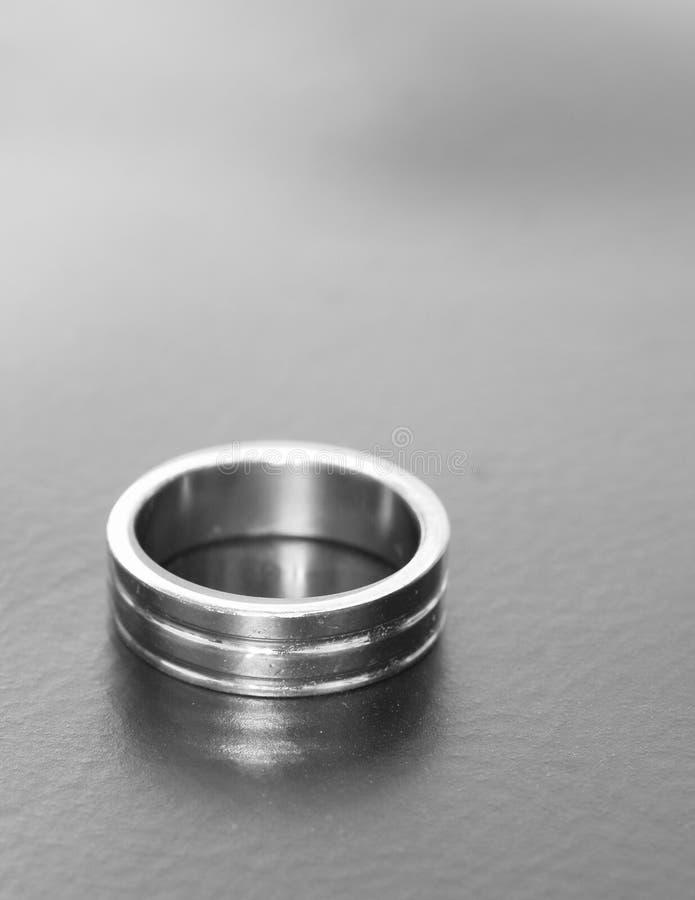 Anello d'acciaio fotografia stock libera da diritti