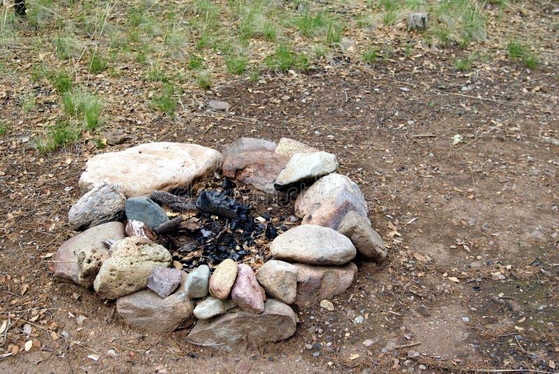 anello del fuoco di accampamento immagine stock