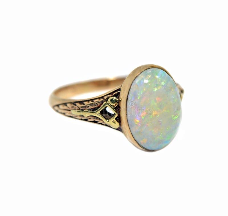 Anello dell'opale dell'annata immagine stock