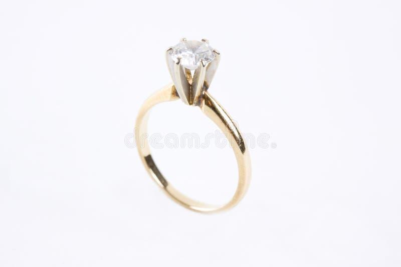 Anello di diamante dell'oro immagini stock libere da diritti