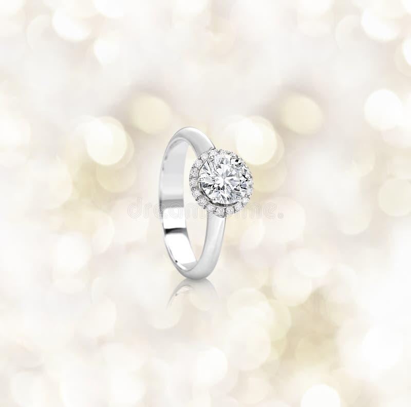 Anello di diamante di impegno fotografia stock
