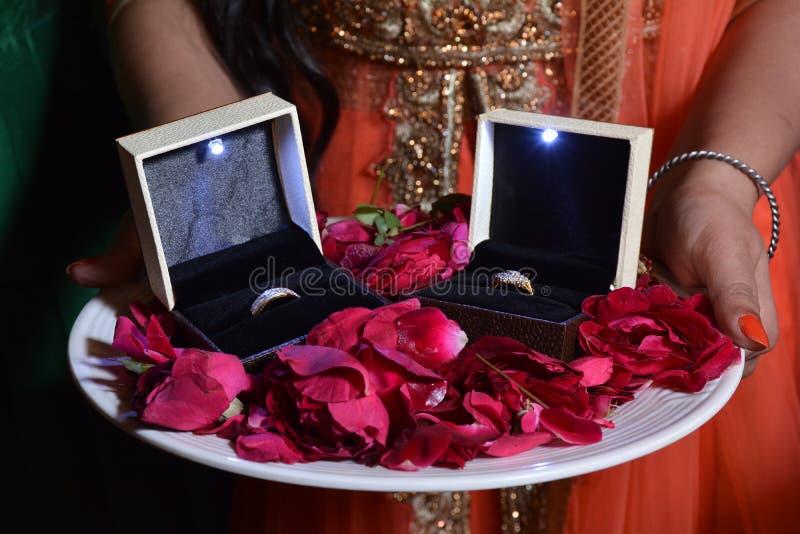 Anello di fidanzamento immagini stock