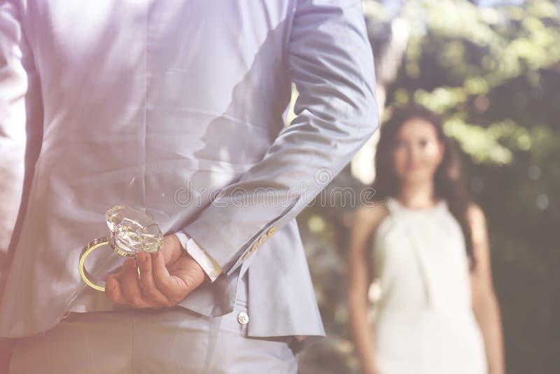 Anello di fidanzamento immagini stock libere da diritti