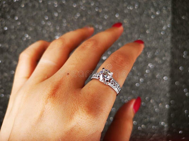 Anello Diamond Sintetico di Nova Carat immagine stock libera da diritti