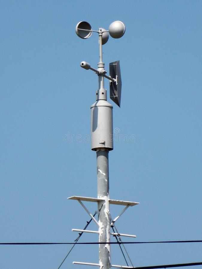 Anemometro - dispositivo utilizzato per la misurazione della velocità di vento fotografia stock libera da diritti