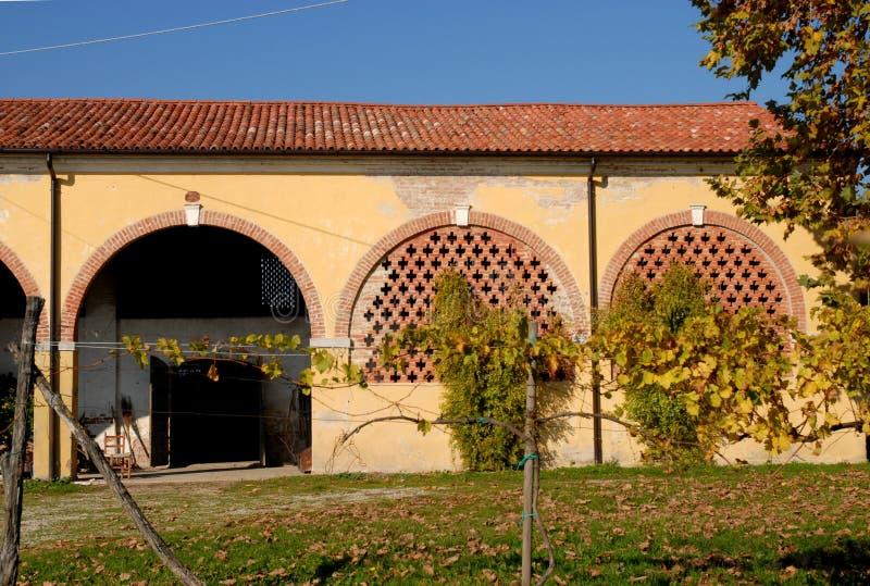 Anexo rústico de una casa de campo en la provincia de Padua en Véneto (Italia) fotos de archivo libres de regalías