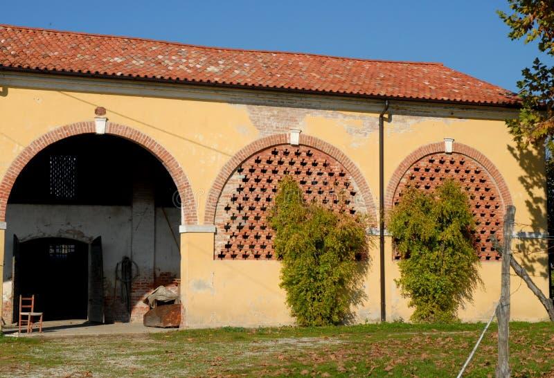 Anexo rústico de una casa de campo en la provincia de Padua en Véneto (Italia) imagen de archivo
