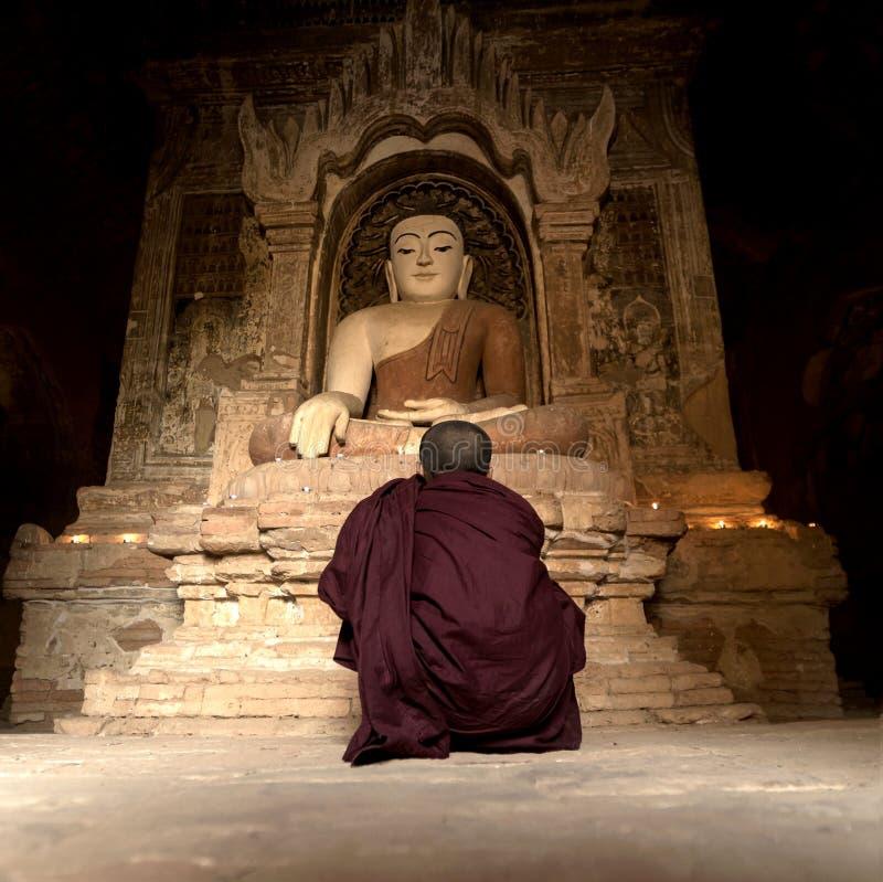 Anfänger in der Pagode Bagan Myanmar stockfotos