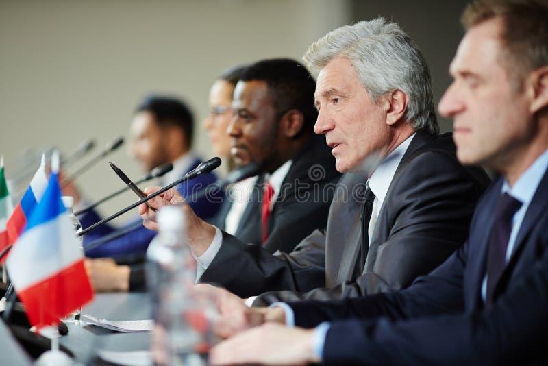 Anförande av delegaten royaltyfria bilder