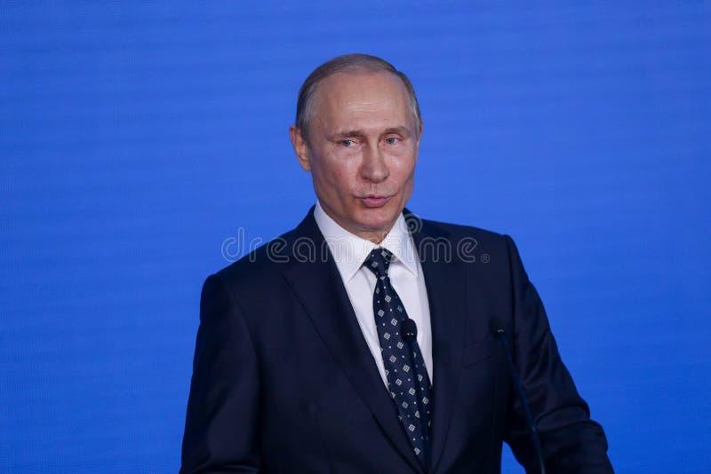 Anförande vid presidenten från den ryska federationen Vladimir Putin i Primorskyen Oceanarium fotografering för bildbyråer