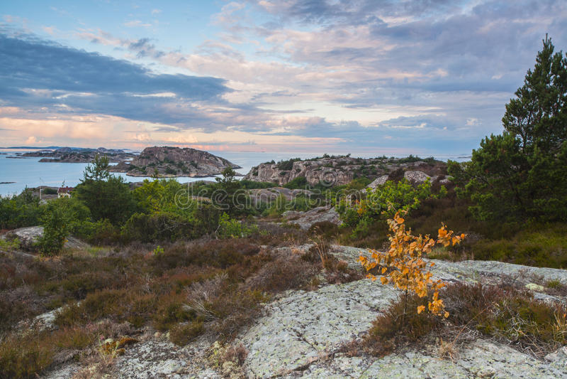 Anfang des Oslofjord gesehen von der schwedischen Seite lizenzfreie stockfotos