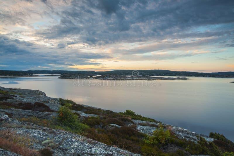 Anfang des Oslofjord gesehen von der schwedischen Seite lizenzfreie stockbilder