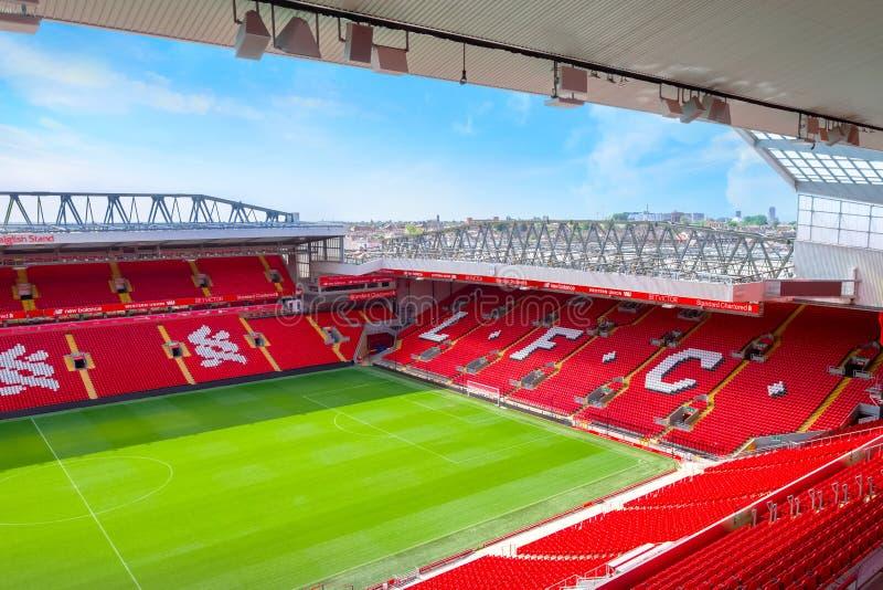 Anfield-Stadion, die Heimspielstätte des Liverpool-Fußballvereins in Großbritannien stockfotos