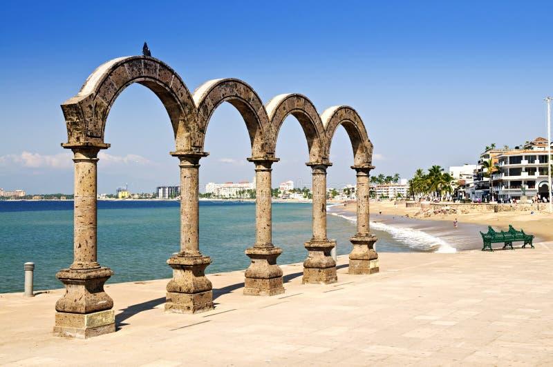 Anfiteatro del Los Arcos en Puerto Vallarta, México imagenes de archivo