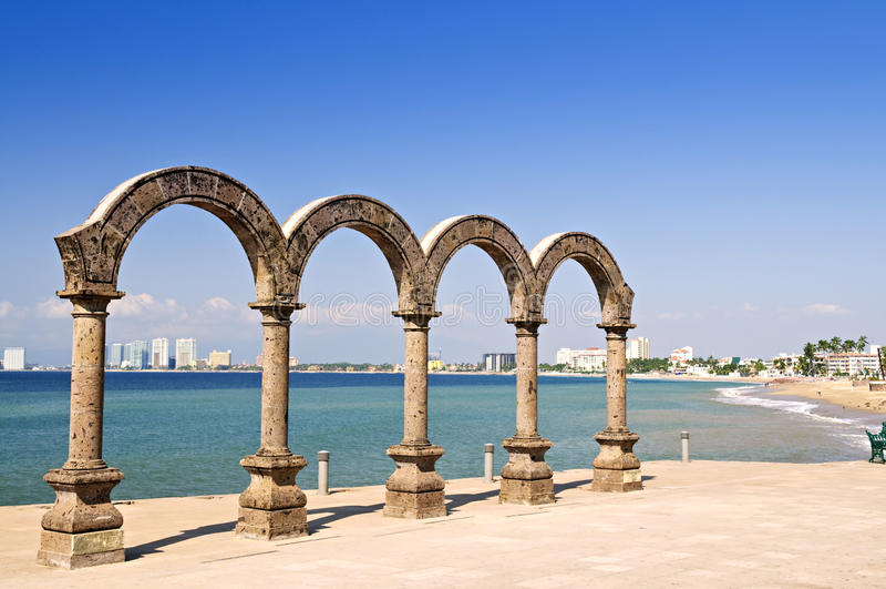 Anfiteatro del Los Arcos en Puerto Vallarta, México fotos de archivo