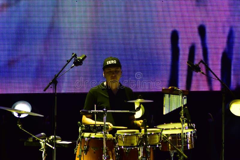 Anfiteatro di Cesarea, Israele, il 19 maggio - il concerto del gruppo musicale Andrei Makarevich fotografia stock libera da diritti