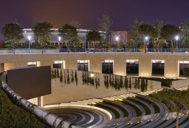 Anfiteatro en el nuevo parque de ciudad de Krasnodar imagen de archivo