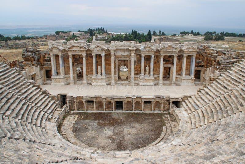 Anfiteatro greco antico classico in Pamukkale, Denizli, Turchia immagini stock libere da diritti