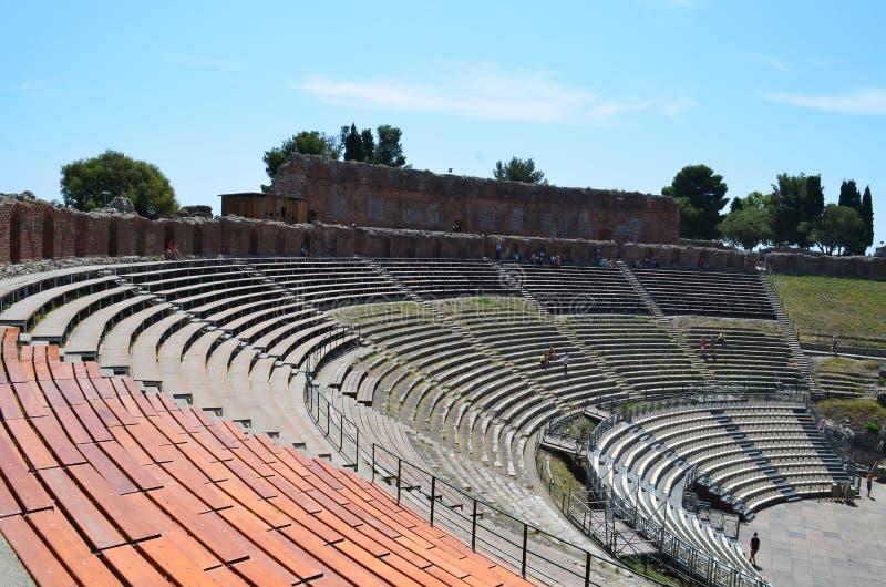 Anfiteatro griego en el Taormina fotos de archivo libres de regalías