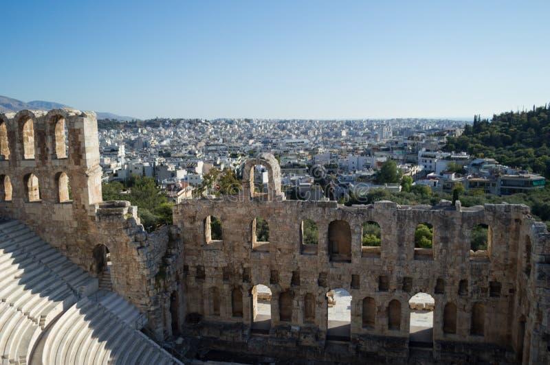 Anfiteatro no Partenon, acrópole em Atenas, Grécia foto de stock