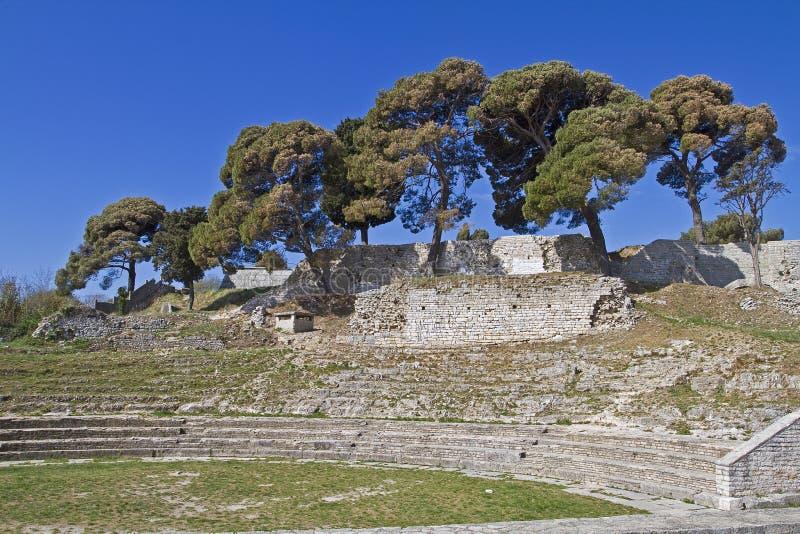 Anfiteatro romano pequeno fotografia de stock royalty free