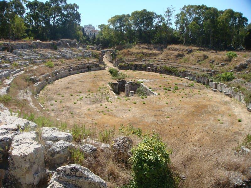 Anfiteatro romano a Siracusa di estate la Sicilia Italia fotografia stock libera da diritti