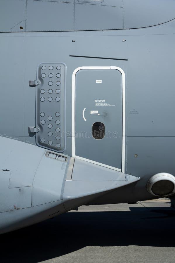 Angaben zum Flugzeug - Tür und Ausgang lizenzfreies stockbild