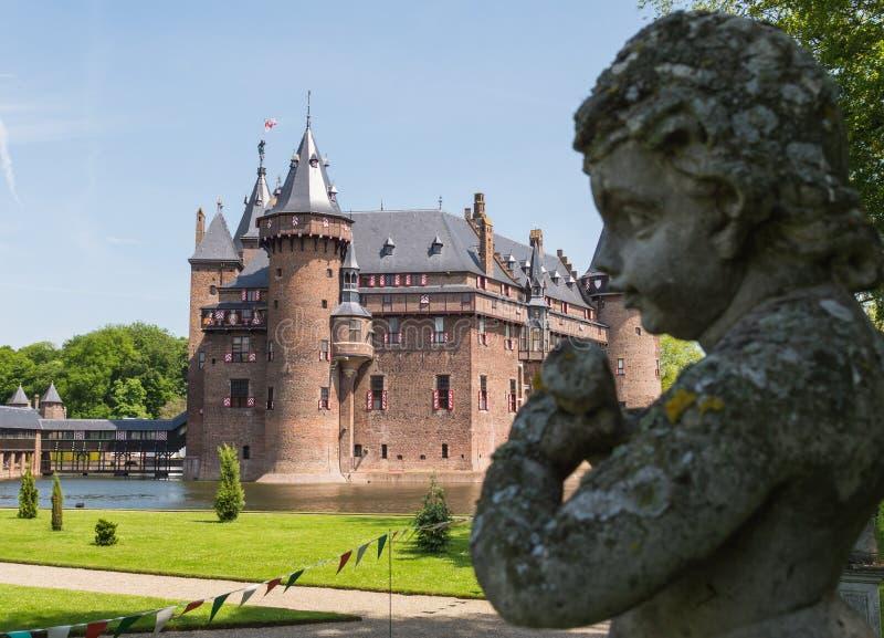 Ange dans les jardins de Castle De Haar, Pays-Bas photo stock
