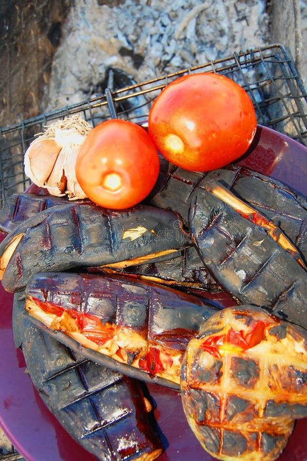 Angefüllte Auberginen gebacken auf dem Grill stockfotos