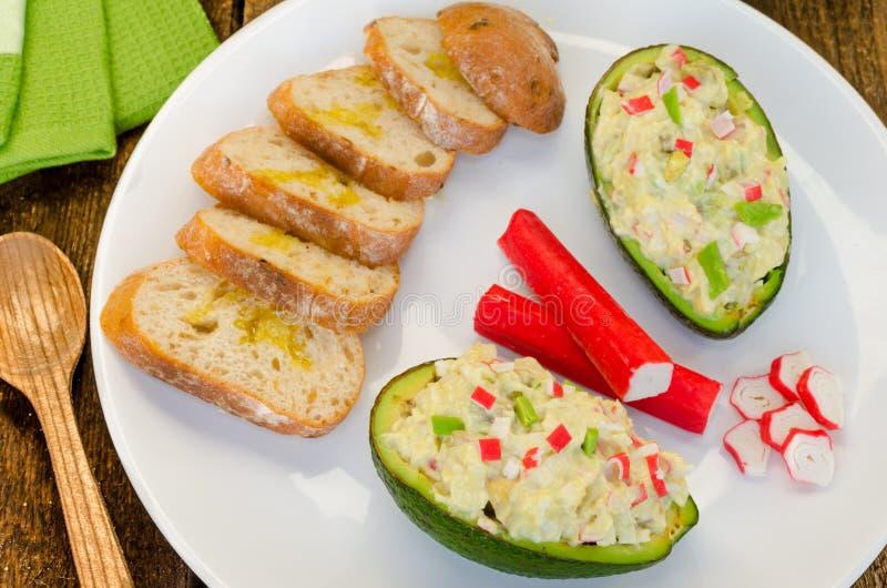 Angefüllte Avocado lizenzfreies stockbild